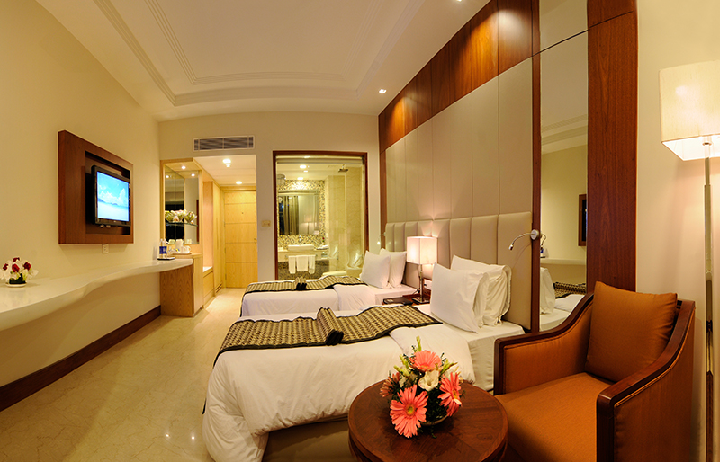 howard plaza hotel agra